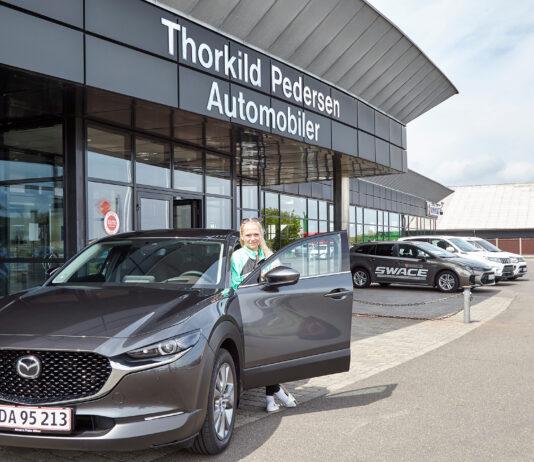 Struer Nyheder Dina Thorslund med sin lånte Mazda