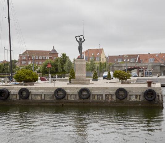 Struer Nyheder Struer havn med Sarpsborgpigen